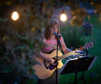 Live music with Jeanne Marshall Bindley